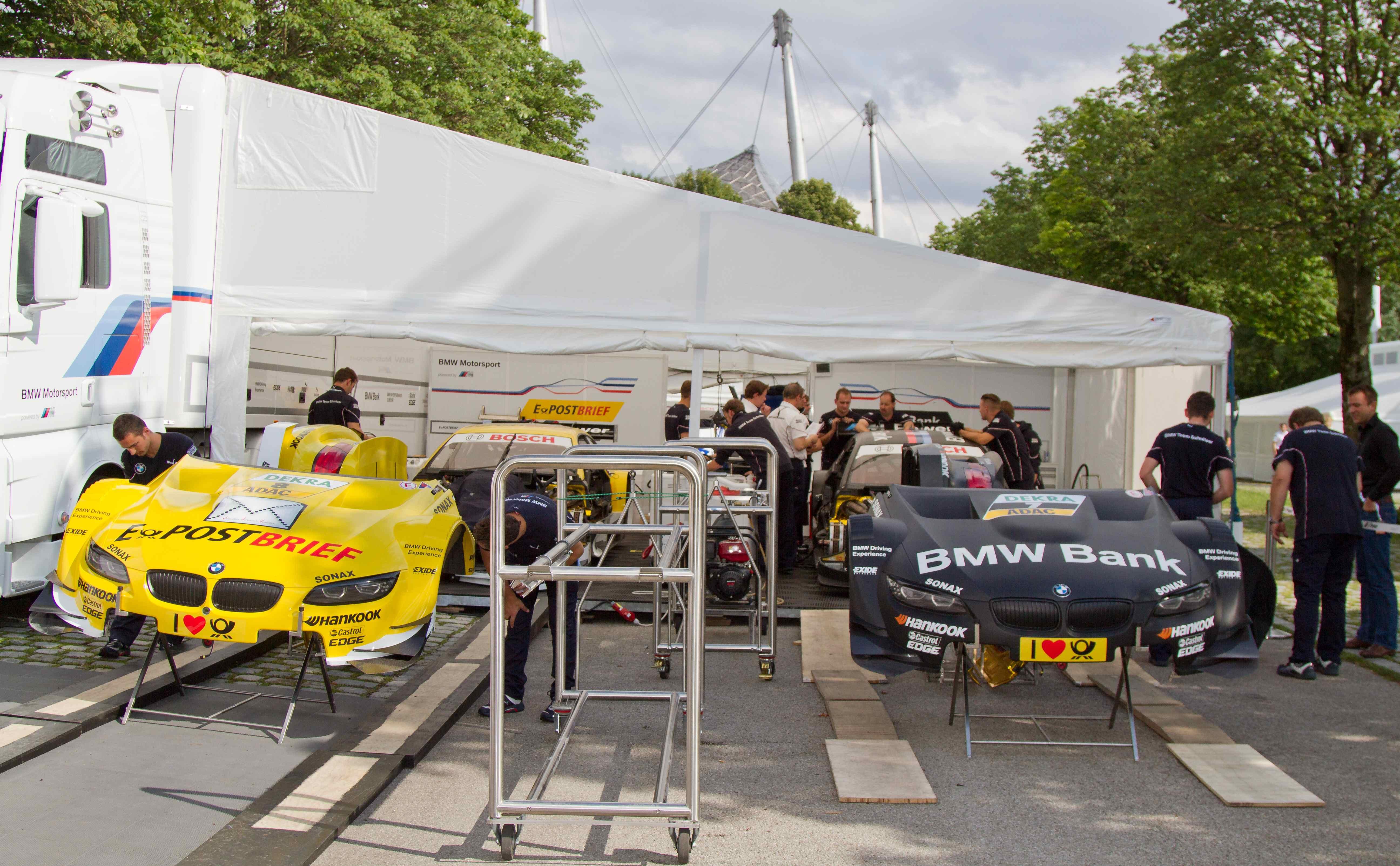 Il pilotalucchese, con la Renault mit dem bet-at-home voucher code richtig geld sparen Twingo R2 della sua nuova squadra ...