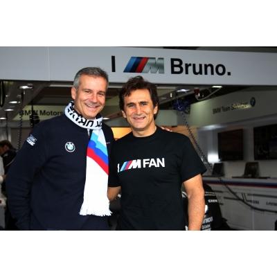 Alex Zanardi (rechts) mit BMW-Motorsportchef Jens Marquardt (c)BMW