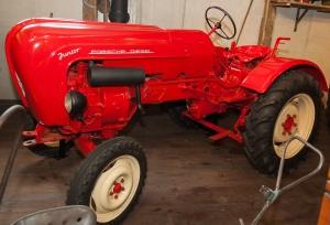 Porsche-Traktor im Traktormuseum Uhldingen-Mühlhofen am Bodensee (c)Erich Hirsch