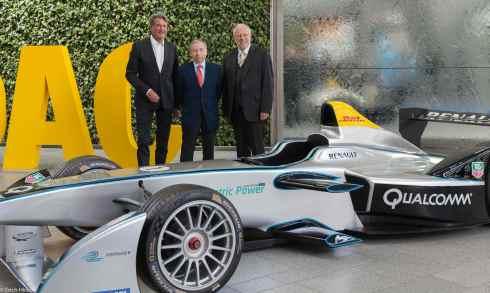 ADAC-Sportpräsident Hermann Tomczyk, FIA-Präsident jean Todt und ADAC-Präsident August Markl stellen die neue Formel E vor(c)Erich Hirsch