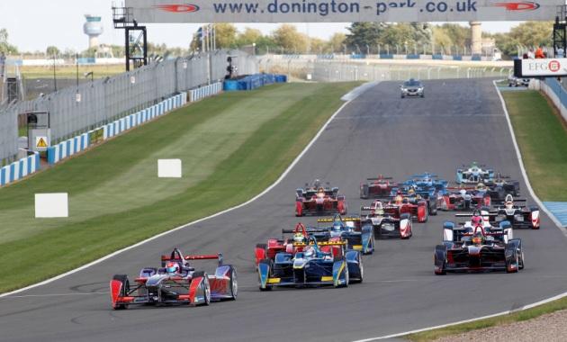 Action from the second Formula E event simulation at Donington Park. (c)Formula E