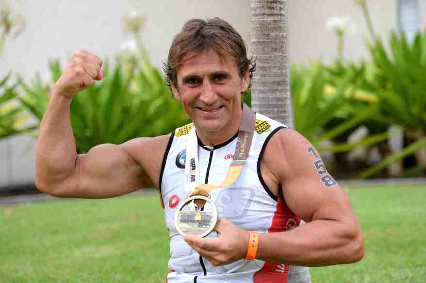 Alex Zanardi bezwang den Hawaii-Triathlon (c)BMW