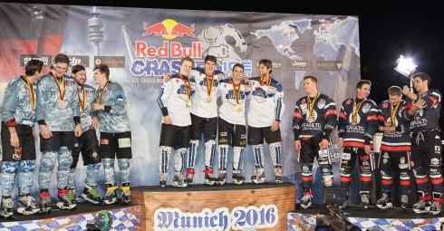 Siegerfoto beim redBull Crashed Ice teamwettbewerb (c)Erich Hirsch