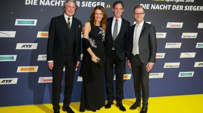 """Hermann Tomczyk, Frau Walliser, Dr. Frank-Steffen Walliser, Lars Soutschka ADAC Sportgala """" DIE NACHT DER SIEGER"""" beim ADAC (c)ADAC"""