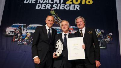"""Hans-Joachim Stuck, Charly Lamm, Hermann Tomczyk ADAC Sportgala """" DIE NACHT DER SIEGER"""" beim ADAC e.V in München am 15.12.201 (c)ADAC, Tim Upietz / Gruppe C"""