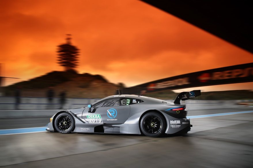 Aston Martin Vantage DTM in Jerez-(c)R-Motorsport