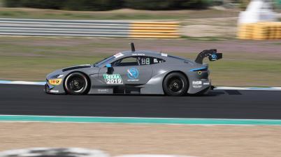 Pauldi Resta Aston Martin Vantage DTM (c)R-Motorsport