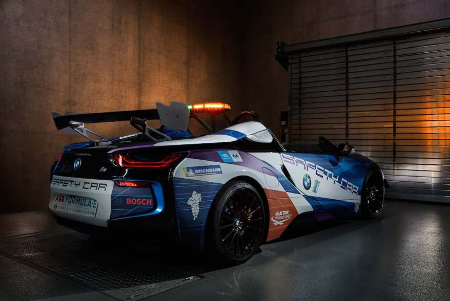 BMW i8 Roadster Safety Car ©BMW