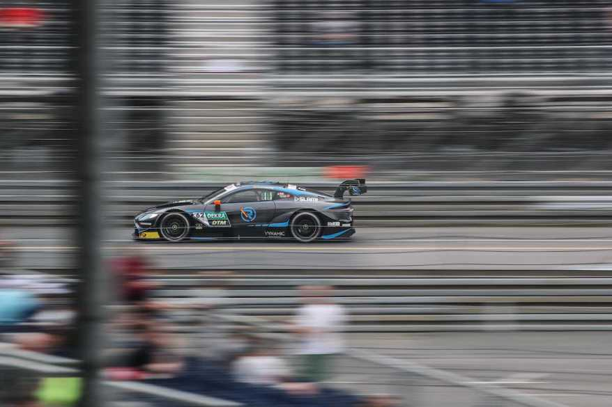 Ferdinand Habsburg im Aston Martin Vantage DTM ©R-Motorsport