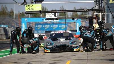 Aston Martin ©R-Motorsport