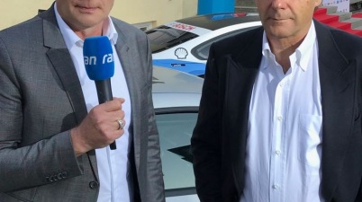 Kommentator Edgar Mielke mit Gerhard Berger ©Mielke