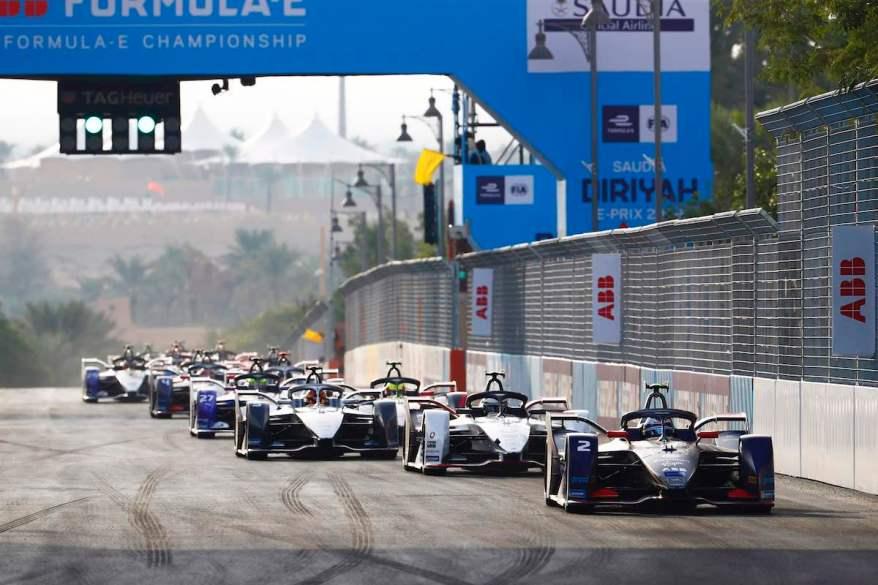 Sam Bird (GBR), Envision Virgin Racing, Audi e-tron FE06 Andre Lotterer (DEU), Tag Heuer Porsche ©courtesy by FormulaE
