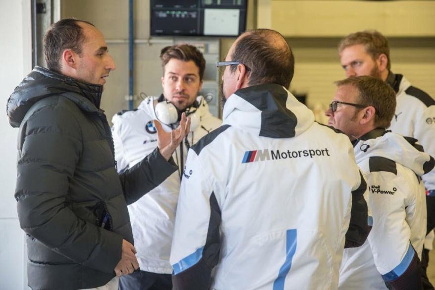 Kubica mit BMW-Team in Jerez ©BMW