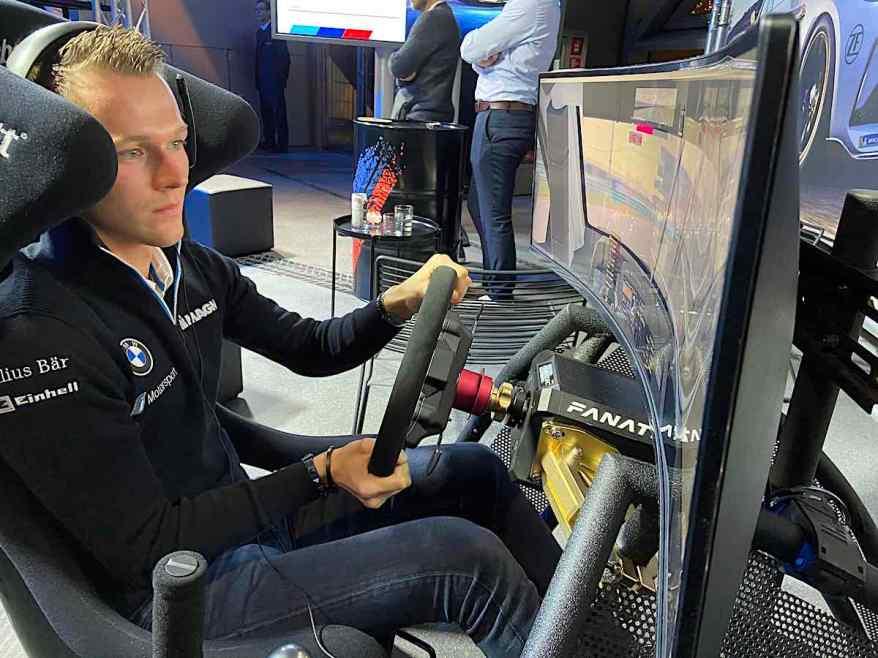 Max Günther beim BMW SIM Race 2019 ©EHirsch