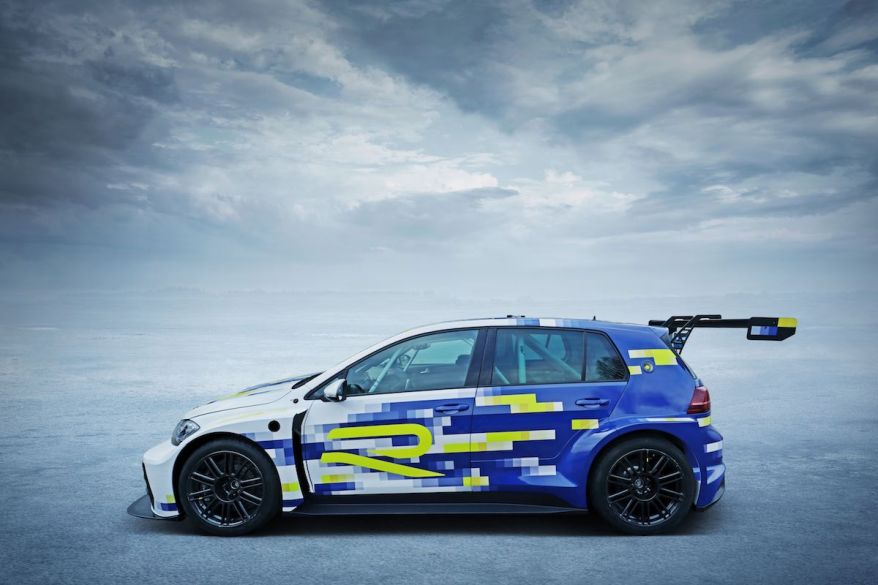Volkswagen e-performance Golf R at the Ice Race ©VW