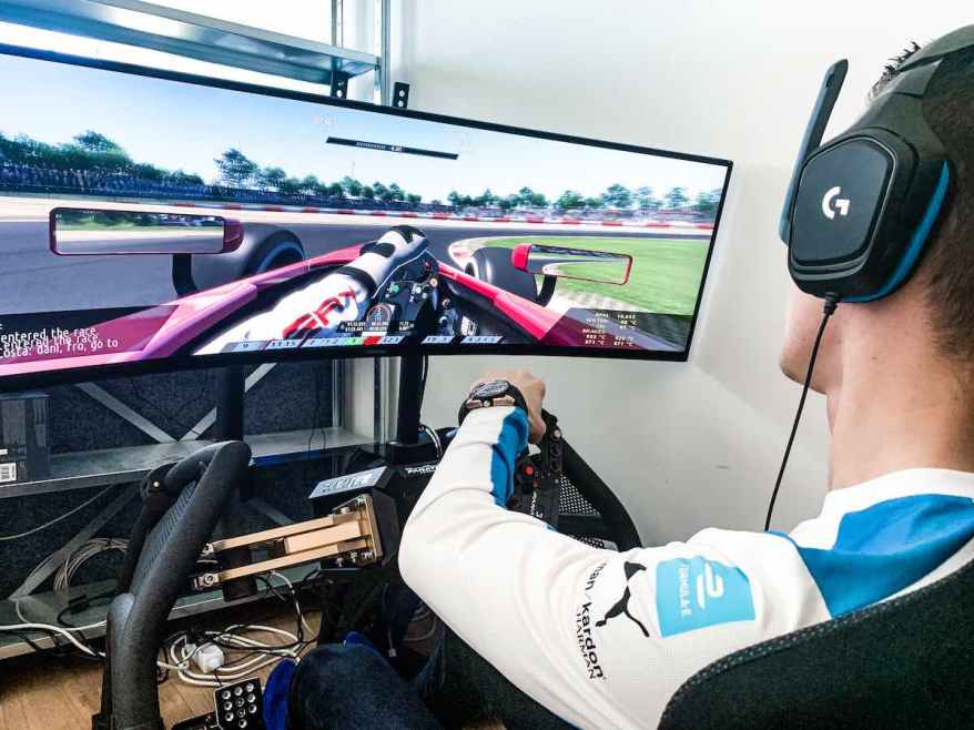 Guenther Sim Racing ©BMW