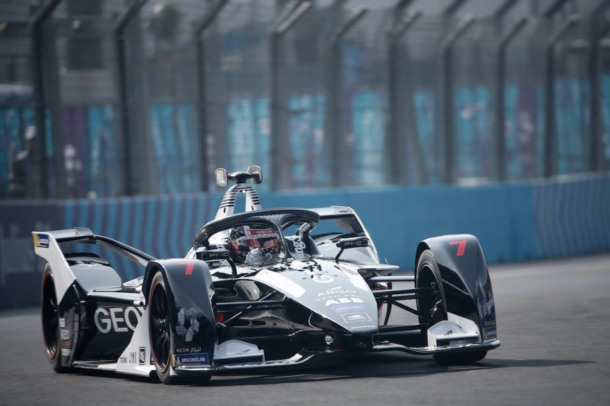 Nico Müller (CHE), GEOX Dragon, Penske EV-4 ©courtesy by FormulaE