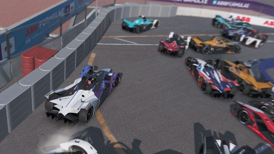 Massencrash nach dem Start Formel E ©BMW