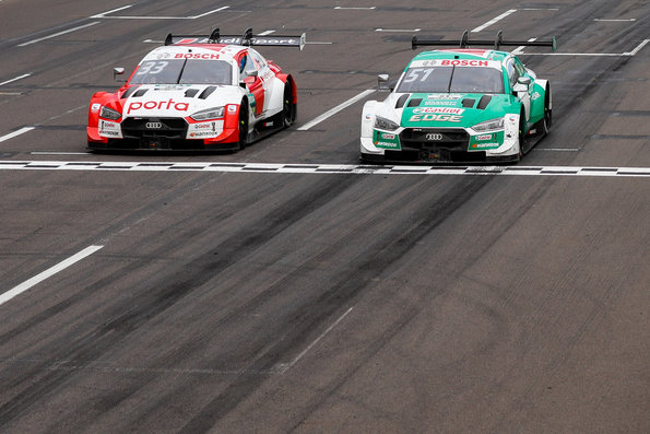 Müller knapp vor Rast DTM Lausitzring II 2020 ©Audi