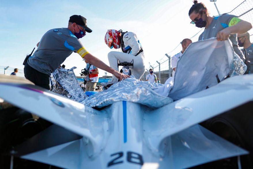 Max Guenther BMW steigt aus ©BMW