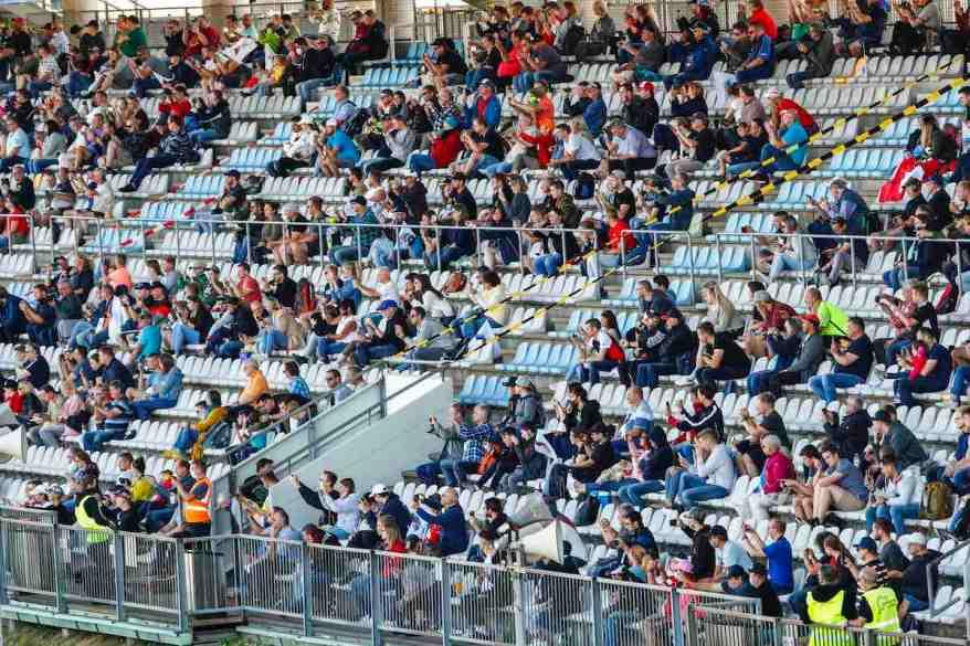 Fans bei der DTM Nürburgring 2020 ©DTM,by Hoch Zwei