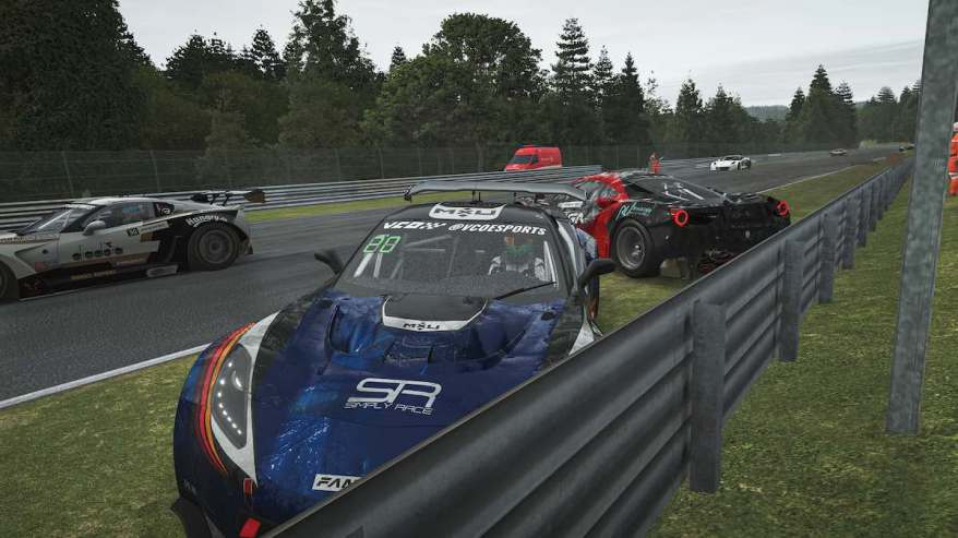 rFactor2 Massencrash in Spa ©vcoesports