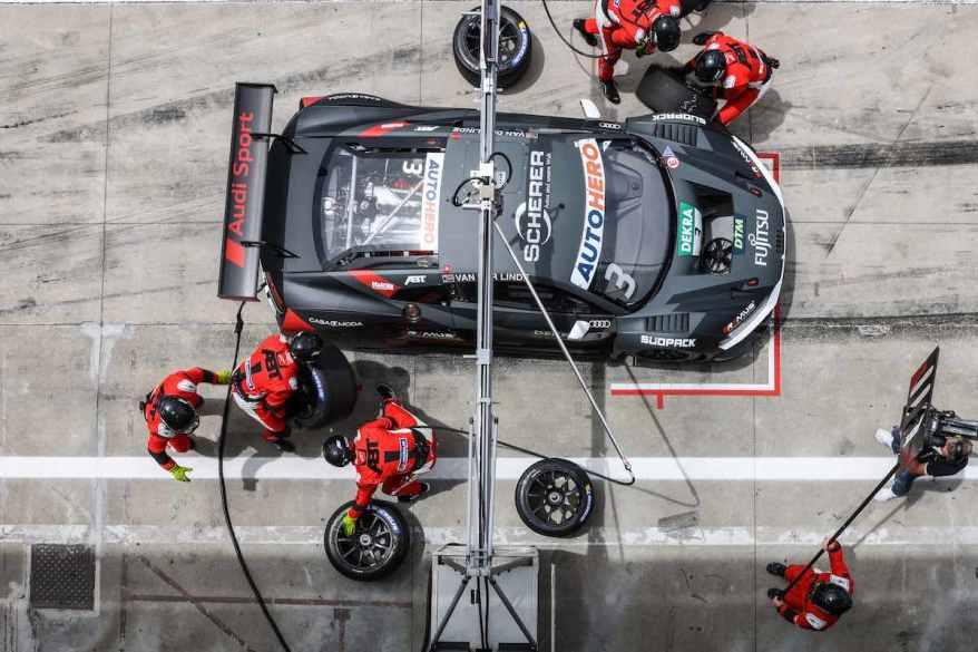 Reifenwechsel in der Abt-Box,Motorsport: DTM Monza ©Hoch Zwei