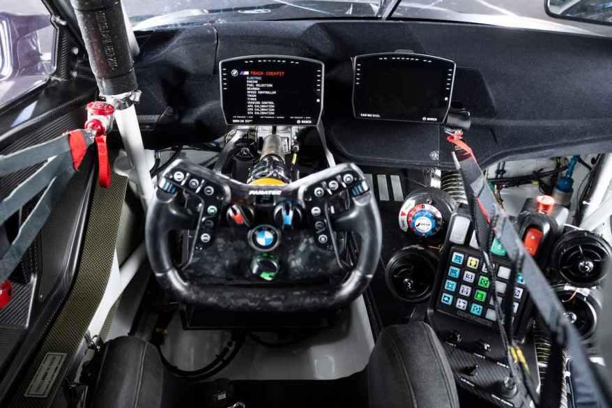Lenkrad BMW M4 GT3 @BMW